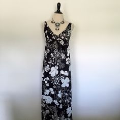 Vtg 60s XXS XS Catalina Hawaiian Swim Maxi Dress Features empire waist with scoop neck and built in bullet bra. Plunging neckline for maximum cleavage! Made of the same material as swimwear and just as cool and comfortable. Features high side slits and can be worn alone or over your bikini. Has pin sized spot, NBD (see pic). Listing for dress only.  Brand: Catalina Material: N/A (Feels like a nylon/spandex blend) Size: 10 (Fits like an XXS/XS) Bust: 28-32 (Plus bra) Empire Waist: 24-28 Hips…