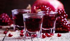 Τέλειο λικέρ ρόδι με υπέροχο άρωμα! | Dogma Cocktail Drinks, Alcoholic Drinks, Cocktails, Pomegranate Liqueur, Greek Cooking, Cakes And More, Food Design, Fruit Salad, Cooking Recipes