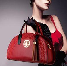 Купить товар2016 вышивка национальная тенденция сумки подлинная женская сумочка кросс тело китайский стиль старинные случайные мать мешок в категории Сумки с короткими ручкамина AliExpress. 2016 вышивка национальная тенденция сумки подлинная женская сумочка кросс-тело китайский стиль старинные случайные мать мешок