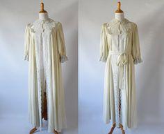 Vintage 1950's I. Magnin Night Robe | Grey Mint Silk and Lace Robe by GracedVestige on Etsy