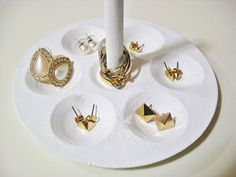 #Holiday #Gift Guide: 10 Handmade (and DIY) #Jewelry Organizers