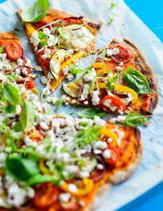 Kesäkurpitsa-oliivipizza, resepti – Ruoka.fi - Zucchini and olive pizza