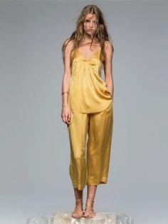 FORTE FORTE / PANTALON EN SOIE  Disponible sur : http://www.bymarie.fr/marques/forte-forte/pantalon-satin-10857.html #forteforte #vetement #clothes #pantalon #pant #yellow #soie #silk #style #fashion #mode #look #outfit #paris #marseille #sainttropez #chic #bymariestore