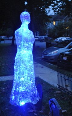 Loving these packing tape sculptures, especially when lit up! These suckers are even able to withstand the damp October weather– perfect for an outdoor installation.