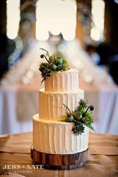 I like how the texture fills the space between the smaller decorations to keep this simple cake from being too plain