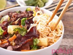 kuchnia chińska przepisy - Szukaj w Google Spaghetti, Pierogi, Cooking Recipes, Tasty, Ethnic Recipes, Food, Google, Diet, Eten
