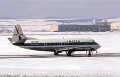United Air Lines Vickers 745D Viscount N7449 taxiing at a snow-covered Pittsburgh-International, March 1967. (Photo via Flickr: Bob Garrard)