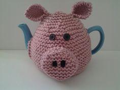 Priscilla pig tea cosy by www.nannaroo2.etsy.com 🌼 🌻 🌼