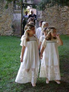 flower girls y niños paje Little Girl Dresses, Girls Dresses, Flower Girl Dresses, Summer Dresses, Flower Girls, Heirloom Sewing, Wedding With Kids, European Fashion, European Style