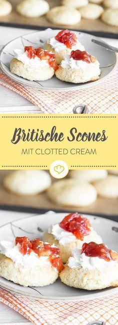 Scones kommen aus England - na klar. Traditionell werden die krustenlosen Brötchen mit Clotted Cream und zum cream tea gegessen.