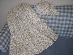 How to Make a Pioneer Skirt & Bonnet. This was SUPER easy and helpful especially since there were lots of pictures and detailed descriptions