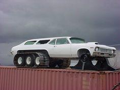 Snova-Mobile - Chevrolet Nova 1970 à 6 roues - SixMania Chevrolet Nova, Chevy Nova, Weird Cars, Cool Cars, Fancy Cars, Custom Trucks, Custom Cars, Snow Vehicles, Hors Route