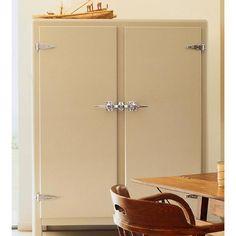 Meneghini La Ghiacciaia Icebox Cream Refrigerator / The refrigerator in Nigella Lawson's tv kitchen