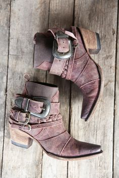 Womens Cowgirl Boots, Boho Boots, Cowgirl Outfits, Cowgirl Clothing, Cowgirl Fashion, Swag Outfits, Botas Western, Western Boots, Cowboy Boots