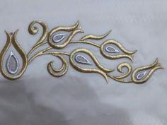 Sim sarma havlu French Knot Stitch, Crochet Bra, Brazilian Embroidery, Ribbon Art, Gold Embroidery, Fabric Beads, Gold Work, Machine Embroidery Patterns, Baby Quilts