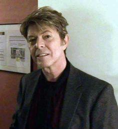 a beautiful old man bowie Saint Yves, David Bowie Starman, Mick Ronson, The Thin White Duke, Ziggy Stardust, The Fam, Major Tom, David Jones, Jimi Hendrix