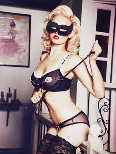 Miranda Black/Ivory Peep-Hole Bra DD-G Cups | Kiss Me Deadly
