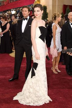 Anne Hathaway's black and white lace Valentino