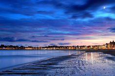 Weymouth beach, in Dorset, at sunset, during December Weymouth Beach, Portland Dorset, Lyme Regis, Jurassic Coast, Photography Workshops, Google Images, New York Skyline, Waves, Sunset
