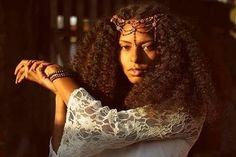 - L U C I A N A T A V A R E S (@soulutavares) Hsir jewelry. Hair accessories. Natural hair. Afro hair. Kinky curly hair. Thick hair. Long Afro hair. Log natural hair. Kinky curly hair. Natural beauty.
