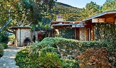 Livable Luxury: Frank Lloyd Wright-Inspired Residence in Carmel Valley