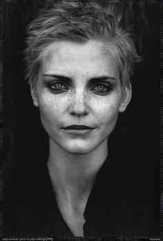 photograph of Nadja Auermann by Peter Lindbergh, 1996