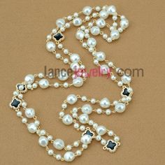 Trendy hand-made imitation pearl & metal findings ornate strand necklace