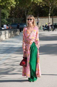 Chi ha detto che gli abiti floreali sono (solo) per animi romantici? Questi modelli Primavera Estate 2018 vi faranno ricredereelleitalia