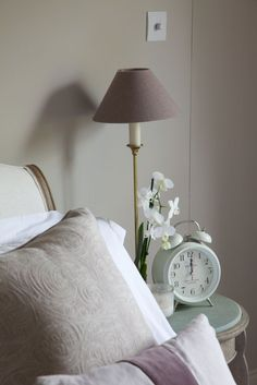 Farrow + Ball Elephants Breath paint in living room will tie in with the paint in the kitchen (as per the lamp above) Bedroom Color Schemes, Bedroom Themes, Bedroom Colors, Bedroom Decor, Bedroom Ideas, Farrow Ball, Farrow And Ball Paint, Elephants Breath Paint, Room Inspiration