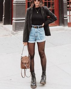 winter outfits jeans Como usar seu short jeans no - winteroutfits Denim Outfits, Outfit Jeans, Mode Outfits, Short Outfits, Trendy Outfits, Fashion Outfits, Denim Shorts, Jeans Fashion, Women's Jeans