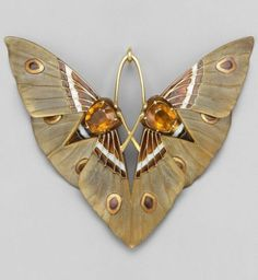 Art Nouveau 'Moth' pendant, by Lucien Gaillard,... #GoldJewelleryChunky #GoldJewelleryArtNouveau
