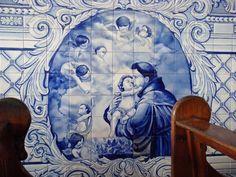 13 de junho – Santo Antônio: Normalmente representado em imagens segurando o…