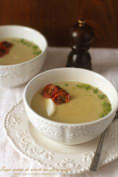 supa crema de vinete cu dovlecel si rosii coapte Eggplant Recipes, Foods To Eat, Panna Cotta, Goodies, Soup, Tasty, Healthy, Ethnic Recipes, Desserts