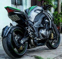 Kawasaki Z1000.