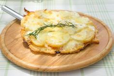 Pizza di patate in padella