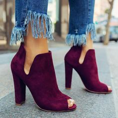 Chloebuy Women Solid Peep Toe Chunky Heeled Boots Source by rickeybrwn shoes fashion Look Fashion, Fashion Shoes, Womens Fashion, Fashion 2018, Winter Fashion, Fashion Trends, Looks Style, Style Me, Cute Shoes