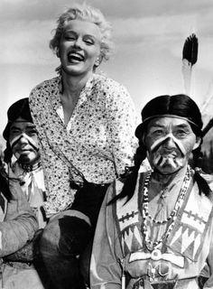 Marilyn Monroe : 12305 Fifth Helena Drive — Marilyn Monroe Photoblog : My daily personal...