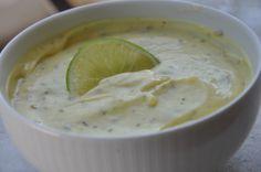 Molho de Mel Mostarda 1 Pote pequeno de maionese2 colheres de mostarda1 colher de Mel1/2 limãoorégano e sal a gosto
