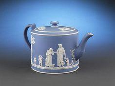 Wedgwood Lady Templeton Teapot, c. Teapot Design, Teapots And Cups, Teacups, Tea Cozy, Chocolate Pots, Antique China, My Tea, Wedgwood, Tea Time