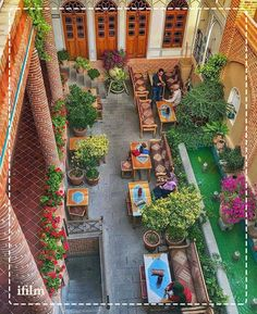 Beautiful capture of Hovans Historic House in Isfahan, Iran. Wonderful Places, Beautiful Places, Persian Decor, Iran Tourism, Iran Pictures, Visit Iran, Persian Architecture, Persian Garden, Home Design