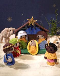 Virka din egen julkrubba! #knittingroom #virkat #garn #svarta #faret #julen #amigurumi
