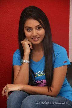 awesome Tamil Actress Vidya Pradeep Photoshoot Stills