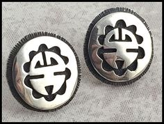 VINTAGE-925-Sterling-Silver-Mayan-Style-Button-Earrings-Posts