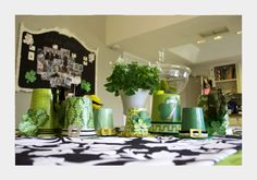 today's you gotta see this is full of fun st. patty's day ideas. check them out!! i'm loving becky's kiss me, i'm Irish sign. so fun, right? check it out at infarrantly creative! . . . . . . . . . . . . . . . . . Beth's pot of gold favor …