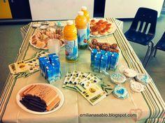 café da manhã para 20 adultos e 20 crianças para celebrar dia dos pais ou das mães no colégio