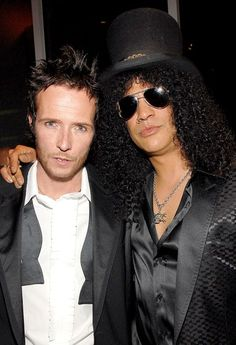 As news broke of Scott Weiland's untimely death, his former Velvet Revolver bandmate Slash and a host of other celebs reacted — see what they said
