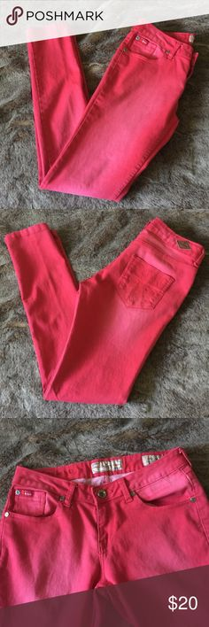 """Lee Cooper Red Midrise skinny stretch jeans 29 Lee Cooper Red Midrise skinny stretch jeans. Gently used. Size 29 with a 30.5"""" inseam and 8"""" rise. Lee Cooper Jeans Skinny"""