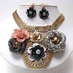 Gorgeous Crystal stud metal chain flowers bib necklace earring set ! £30
