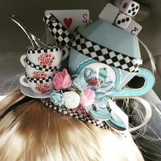 Alice in wonderland handmade hair piece costume . Alice in wonderland handmade hair piece costume Mad Hatter Party, Mad Hatter Tea, Mad Hatters, Crazy Hat Day, Crazy Hats, Alice Tea Party, Alice In Wonderland Tea Party, Winter Wonderland, Halloween Disfraces