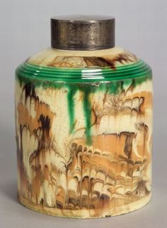 Staffordshire combed surface agate tea canister, England, ca. 1800
